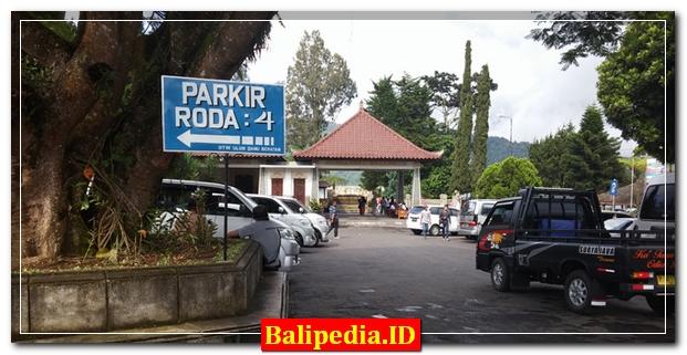 Parkir Pura Ulun Danu Beratan