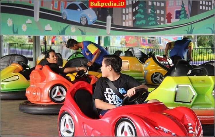 Bom Bom car Krisna Funtastic Land